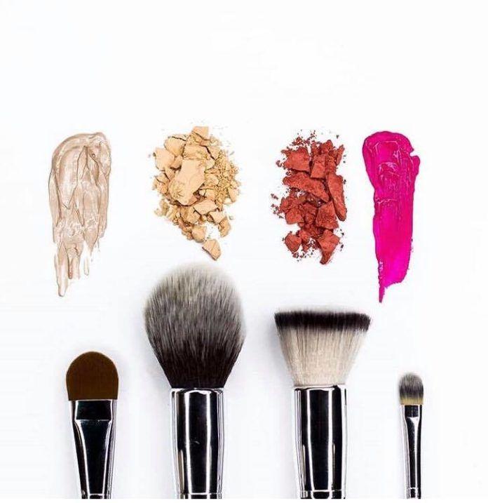 εργαλεία για το μακιγιάζ σας
