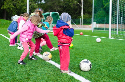 παιδιά-εξωσχολικές-δραστηριότητες